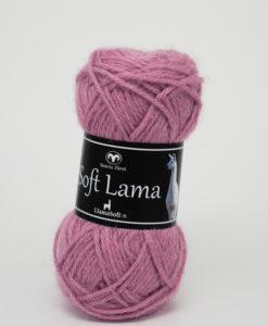Soft Lama Ljusrosa-41Garntorget Svarta Fåret. Soft Lama är ett lyxigt ullgarn tillverkat av 100% babylamaull. Lamafibern är mjuk, temperaturreglerande och har en fin lyster. Soft Lama är en otroligt mjuk och behaglig kvalitét, och eftersom lamafibern anpassar sig efter kroppstemperaturen. Är plagg stickade i Soft Lama sköna att använda året om. Garnet är upplagt på 50 grams nystan om 100 meter, och stickfastheten 20 maskor på stickor nr 4 ger 10 cm. Plagg som stickas med Soft Lama tvättas i 30 graders handtvätt. Med många vackra, dova färger att välja bland kan vi nästa lova att du hittar en kulör som passar just dig.