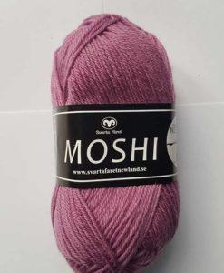 Moshi Ljung - 61. Hjälp barnen i byn Newland som ligger 10 km från staden Moshi i Tanzania, Vi skänker 3 kr per Moshi-nystan du köper! Ett tips är att Moshi har samma masktäthet som Baby och Tilda, vilket betyder att du kan använda Moshi till dessa kvaliteters mönster!