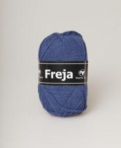 Freja är ett populärt akrylgarn att både sticka och virka i. Freja finns i uppåt 50 olika färger inkl populära denimfärger Kvalitet 100% Akryl Stickor + masktäthet St 4, 20m Storlek på nystan 50 gram = 130m Tvättråd Maskintvätt 40° Garnalternativ Kilimanjaro, Matilda, Soft Lama, Ulrika