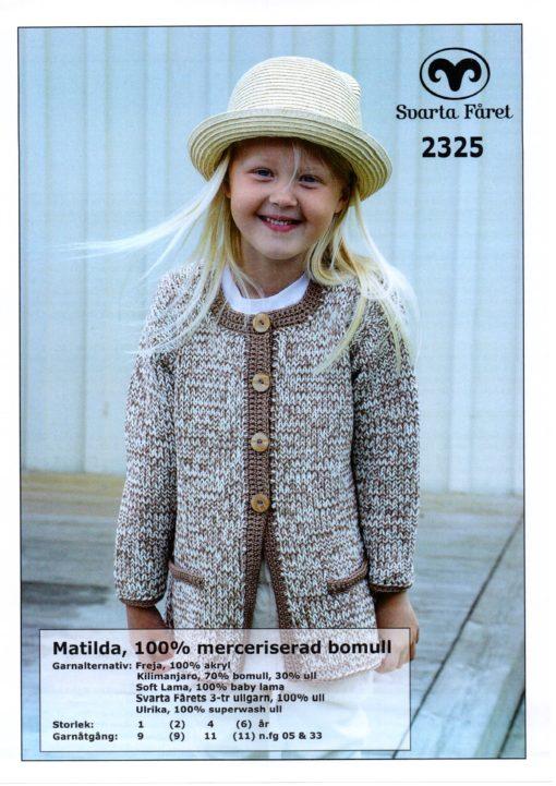 Svarta Fåret, Matilda, Garn 100% Bomull, Flicka Dubbelstickad kappa med virkade kanter -2325277