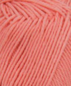 Lisa 8/4 Korall - 37 Garntorget är 100% kammat bomulls garn. Det är ett helt nytt garn som har många användnings områden. Ett underbart garn att sticka sköna plagg utav och är lätt och luftigt och skön mot huden. Barn, Dam, Herr, Baby Fint att virka grytlappar och små plagg av.