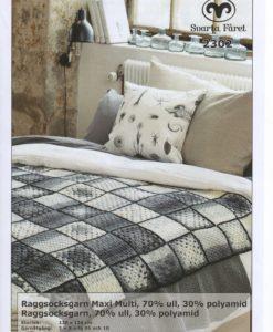 Pläd Härlig av Maxi Multi. Raggsocksgarn 2302 DD Svarta Fåret Släng en snygg pläd över soffan,sängen Du behöver inte vara frusen för att shoppa en snygg pläd. Släng den över soffan eller sängen så blir den en fantastisk inredningsdetalj. Välj en virkad pläd eller en ursnygg Maxi Multi, Raggsocksgarn, Ull, Polyamid från fantastiska Garntorget. En mysig pälsfilt eller en mjuk fleecefilt. Att slänga över soffan eller svepa in sig i. För hemmamys eller frusna fötter. Storlek: ca         130 x 130 cm Garnåtgång:        8       n.fg 05 (gråmelerad ) Maxi Multi Garnåtgång:        3       n.fg 10 (svart) Raggsocksgarn Virknål;            Svarta Fåret 5 mm Stickor;            Svarta Fåret 5 mm