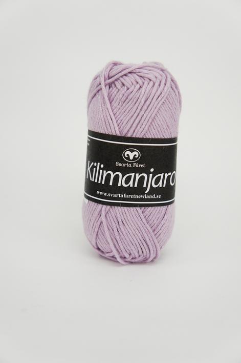 Kilimanjaro Ljuslila 361 Garntorget, 70% Bomull 30% Ull.Ett mjukt och härligt blandgarn med en blandning av bomull och ull.