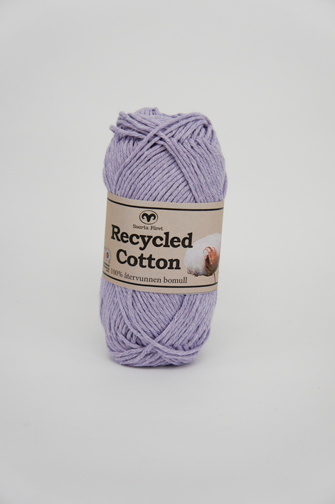 Recycled Cotton Ljuslila – 61 Garntorget Svarta Fåret. Varför inte fatta taget om ett garn på 100% återvunnet bomull