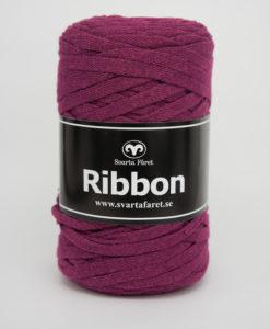 Garntorget Svarta Fåret Ribbon Cyklamen – 64