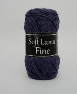 Soft Lama Fine Mörklila - 964 Garntorget. Soft Lama Fine är ett lyxigt ullgarn tillverkat av 100% babylamaull. Lamafibern är mjuk, temperaturreglerande och har en fin lyster. Soft Lama Fine är en otroligt mjuk och behaglig kvalitét, och eftersom lamafibern anpassar sig. Efter kroppstemperaturen är plagg stickade i Soft Lama Fine sköna att använda året om. Garnet är upplagt på 50 grams nystan om 166 meter, och stickfastheten 28 maskor på stickor nr 3 ger 10 cm. Plagg som stickas med Soft Lama Fine tvättas i 30 graders handtvätt. Många vackra, dova färger att välja bland kan vi nästa lova du hittar en kulör som passar just dig.