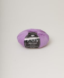 Kvalitet 100% Merinoull extra fine, superwash Stickor + masktäthet St 3, 28m Storlek på nystan 25 gram = 100m Tvättråd 30° Maskintvätt Garnalternativ Lisa, Soft Lama Fine