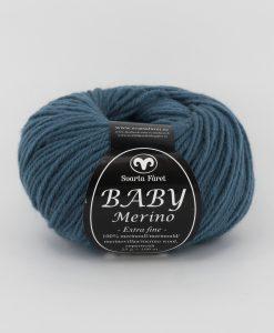 Baby Merino Jeansblå 68.Ett mjukt och härligt garn av 100 % Merinoull. Baby Merino är ett uppskattat garn till diverse kläder, mössor och halsdukar till både vuxna och barn. Garnalternativ till Baby Merino är enligt Svarta Fåret följande garn. (klicka på namnet för att komma till garnet): LISA 8/4 och SOFT LAMA FINE. Observera att dessa garner är av annan kvalité och när du stickar eller virkar efter mönster bör du alltid göra en provlapp. Innan du börjar för att se så stickfastheten blir densamma. Tänk också på att garnåtgången måste beräknas noga vid byte av garn.