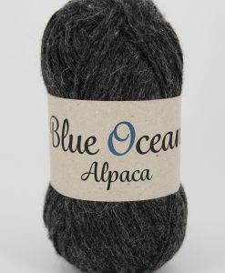 Kvalitet 30% alpacka, 70% återvunnen polyester av PET Stickor + masktäthet St. 4, 20 m Storlek på nystan 50 gram = 125 m Tvättråd Handtvätt
