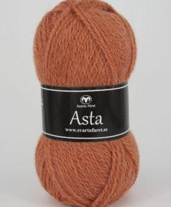 Asta Orange 35 Garntorget Svarta Fåret. Kvalitet 50% Ull % Akryl 15% Alpacka. Stickor Masktäthet St 3,5 24m. Storlek på nystan 50gr = 150 m. Tvättråd 30 Skontvätt